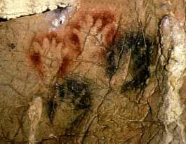 Mains négatives de Gargas avec des doigts manquants
