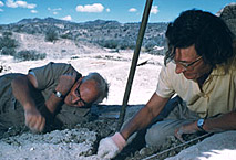 Louis et Richard Leakey sur un chantier