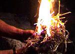 Brindilles enflammées
