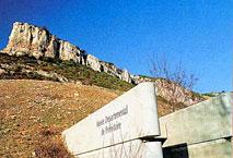 la roche de Solutré Musee-solutre-pouilly