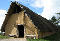 A la découverte de la Somme avec Google Earth Maison-neolithique