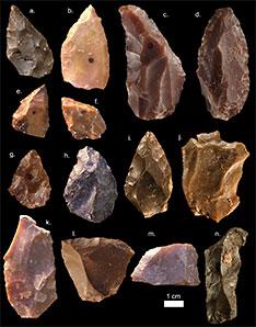 Outils de pierre retrouvés à jebel Irhoud