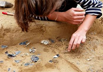 Une nouvelle vénus gravettienne datée de - 23 000 ans (Amiens) Renancourt-fouilles-amiens